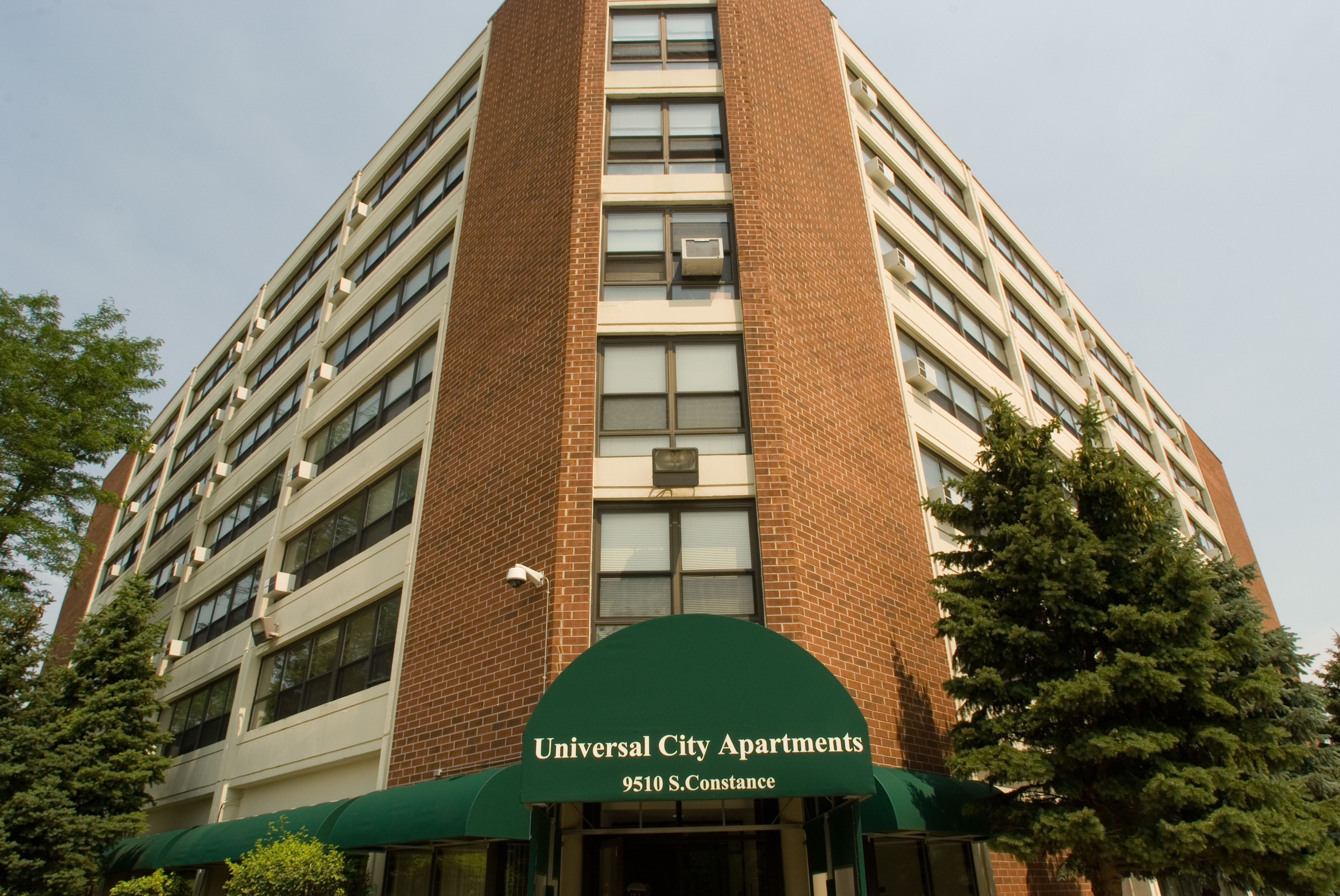 related-corporate-affordable-cut-sheet-properties-universalcityapartments-hero-1-15-19.jpg