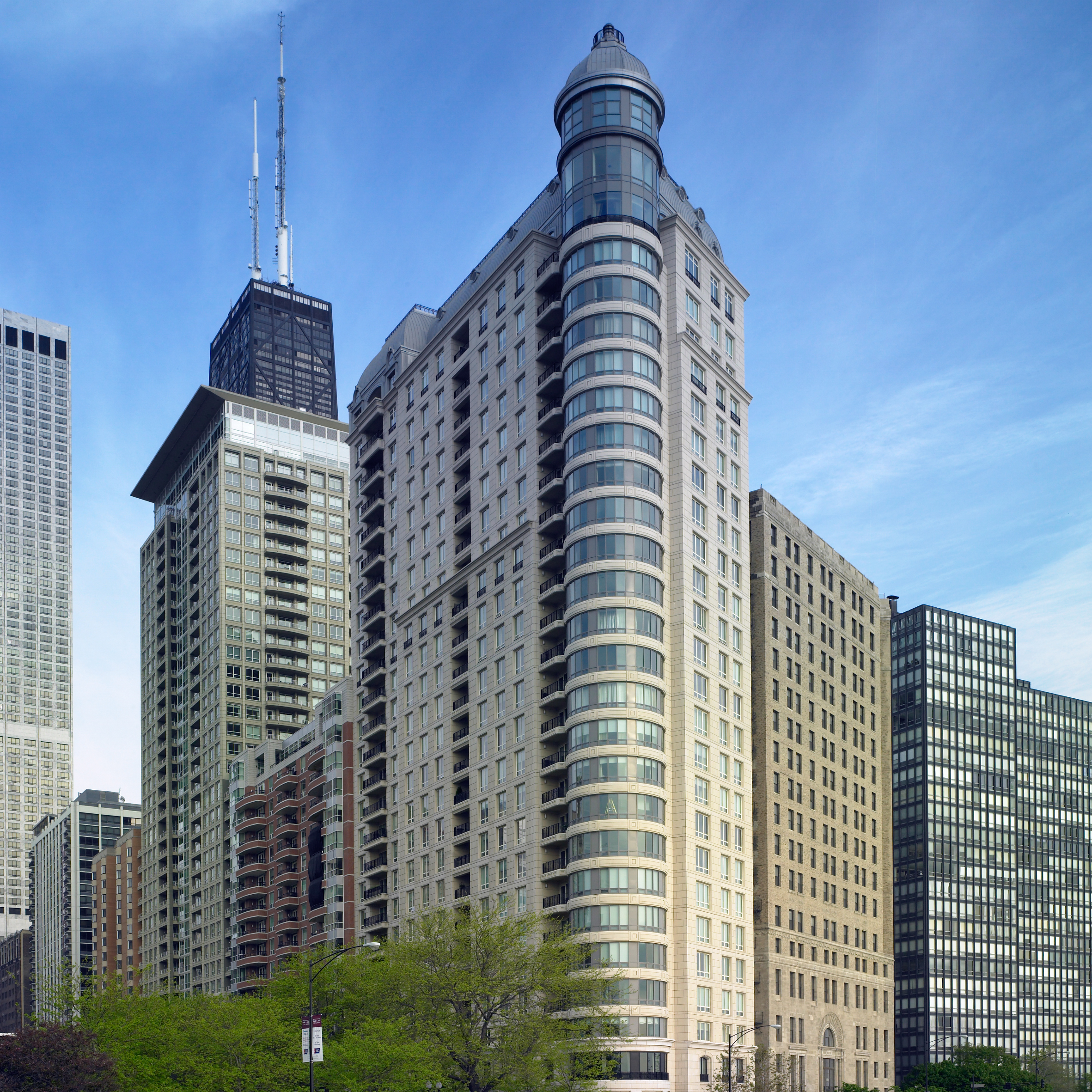 related-corporate-luxury-condo-cut-sheet-properties-840northlakeshoredrive-hero-1-14-19.jpg