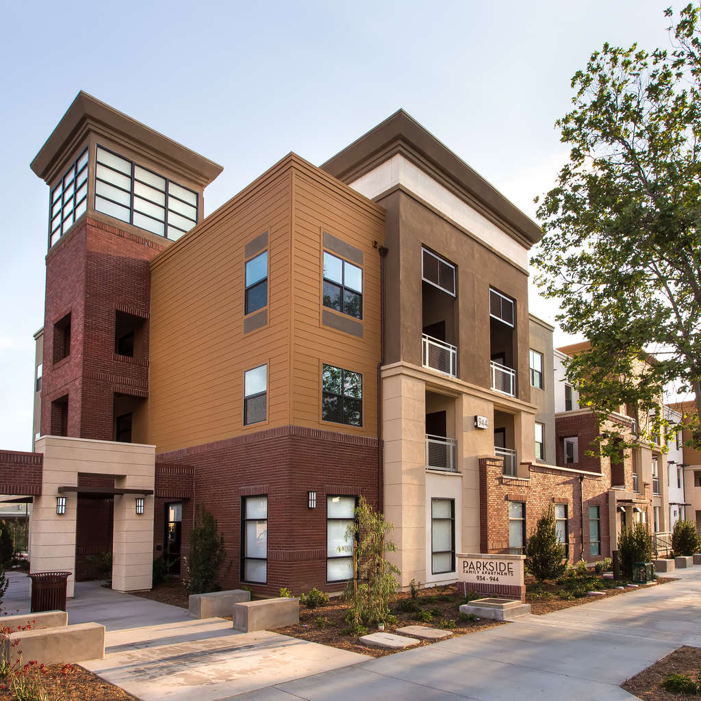 Family Apartment: Parkside Family Apartments