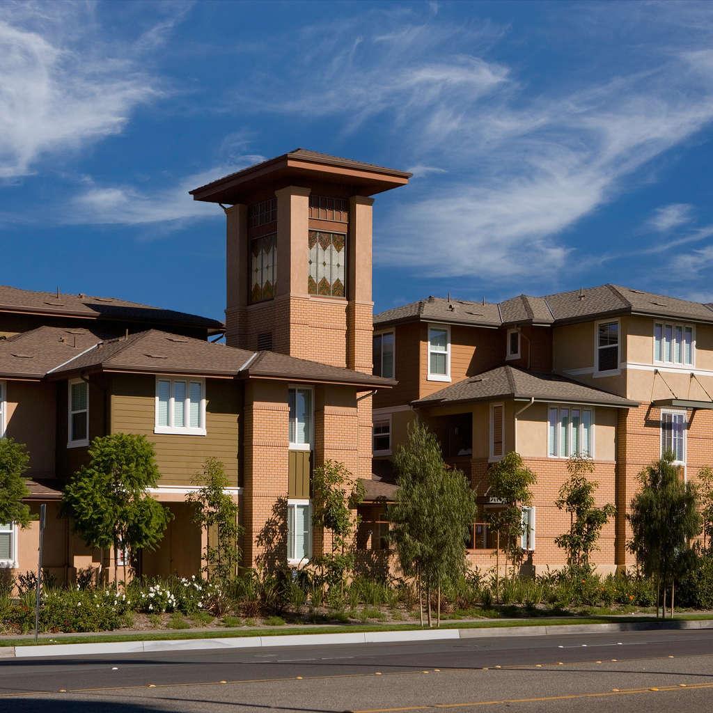 Pradera Apartment Homes