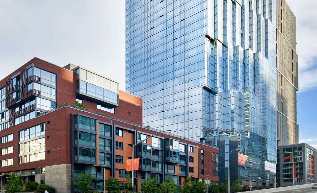 related-corporate-condos-landscape-the-avery-exterior-street.jpg